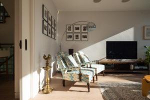 3408 balta medines grindys Medzio stilius