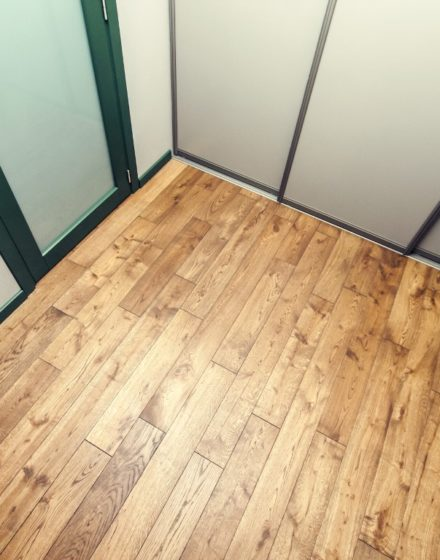 Oak solid doors: models D1F & D1S, colour  S7010-G10Y. Oak flooring: 3481 Walnut.