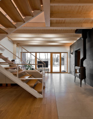 Mediniai laiptai U forma Bespalvė alyva 3305 Medžio stilius