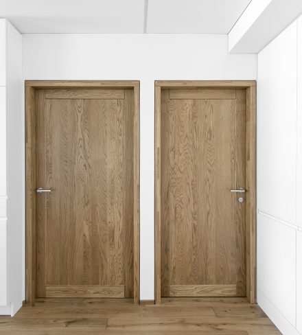 Solid oak wood door