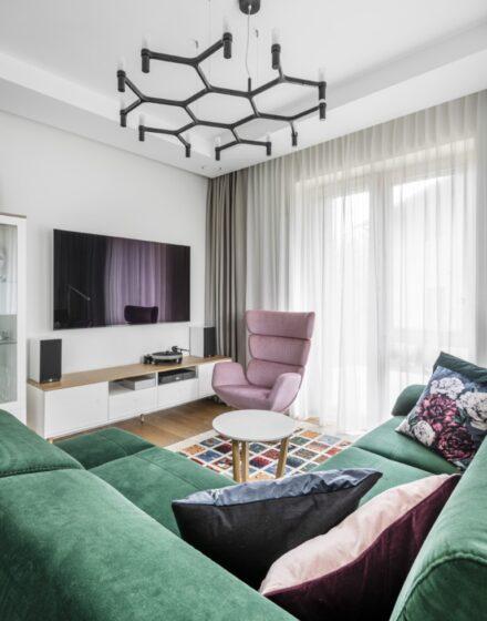 Oak flooring: 3305 Colourless oil.